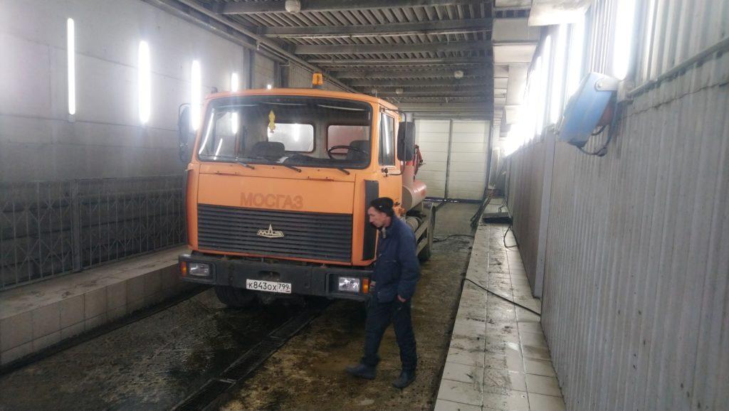 Откачка ила с грузовой автомойки